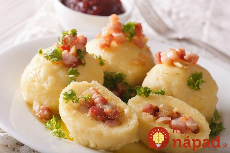 Keď k nám prišla babička z Liptova, vždy navarila tieto božské knedle plnené údeným mäsom: Tento recept na zemiakové cesto si budete strážiť ako oko v hlave!
