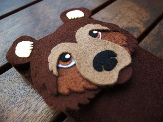 Bear iPhone felt Case - Cell Phone Cover - iPhone Sleeve - Handmade brown felt case
