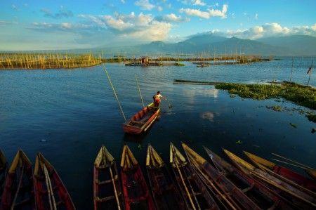 Thommy Auguzth: Rawa Pening, Semarang, Central Java Indonesia via Ayofoto!