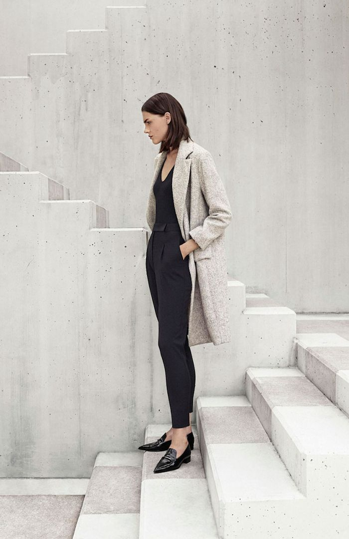 neutral coat, black top & pants with pointy loafers #style #fashion #workwear