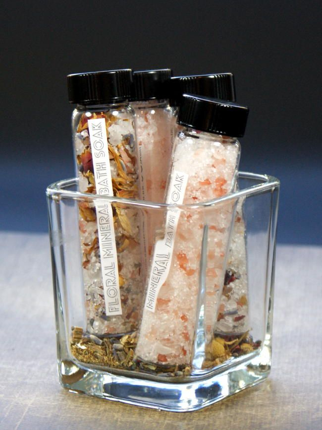 These natural mineral bath soak recipes are not only easy to make but they're perfectly sized for DIY stocking stuffers! Make some for your favorite someones as Christmas gifts so they can enjoy the benefits they offer of easing sore muscles and detoxing skin! They're perfect for any bath and body lover this Christmas!