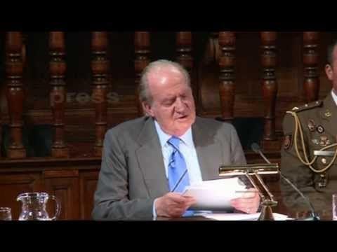 Síntomas de demencia senil del rey Juan Carlos Borbón leyendo un discurso - 10/9/2013 - YouTube
