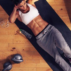 Blast your fat away and sculpt your stomach with this quick and effective workout routine. These fat-burning exercises will get you in shape and tone your core. Start getting ready for summer with a tight and slim stomach with this intense abs workout.