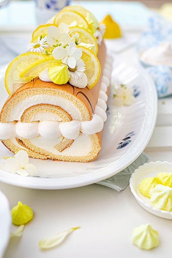 Zitronen Sahne Rolle Im Sommerlook In 2020 Sommer Torte Lebensmittel Essen Sommerkuchen