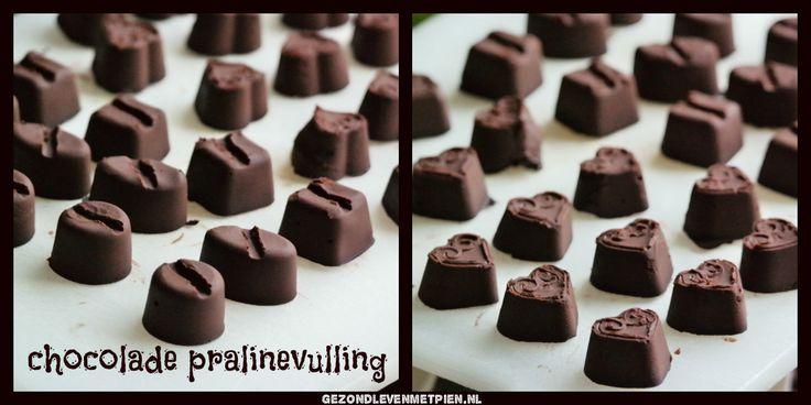 Recept om zelf je eigen (suikervrije) chocolade praline bonbons te maken. Dit is de pralinevulling.