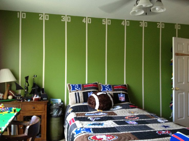 My boys tween football room all for the boy pinterest for Boy football bedroom ideas