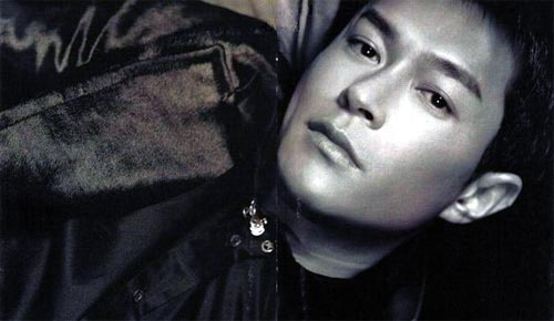Not exactly a fan but this picture of Louis Koo is gorgeous!