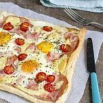 Pizza de desayuno con huevo