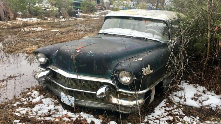 17 best ideas about abandoned vehicles on pinterest abandoned cars rusty cars and old trucks. Black Bedroom Furniture Sets. Home Design Ideas