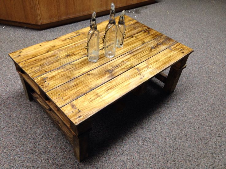 Just Love The Jacobean Glaze Of This Pallet Coffee Table