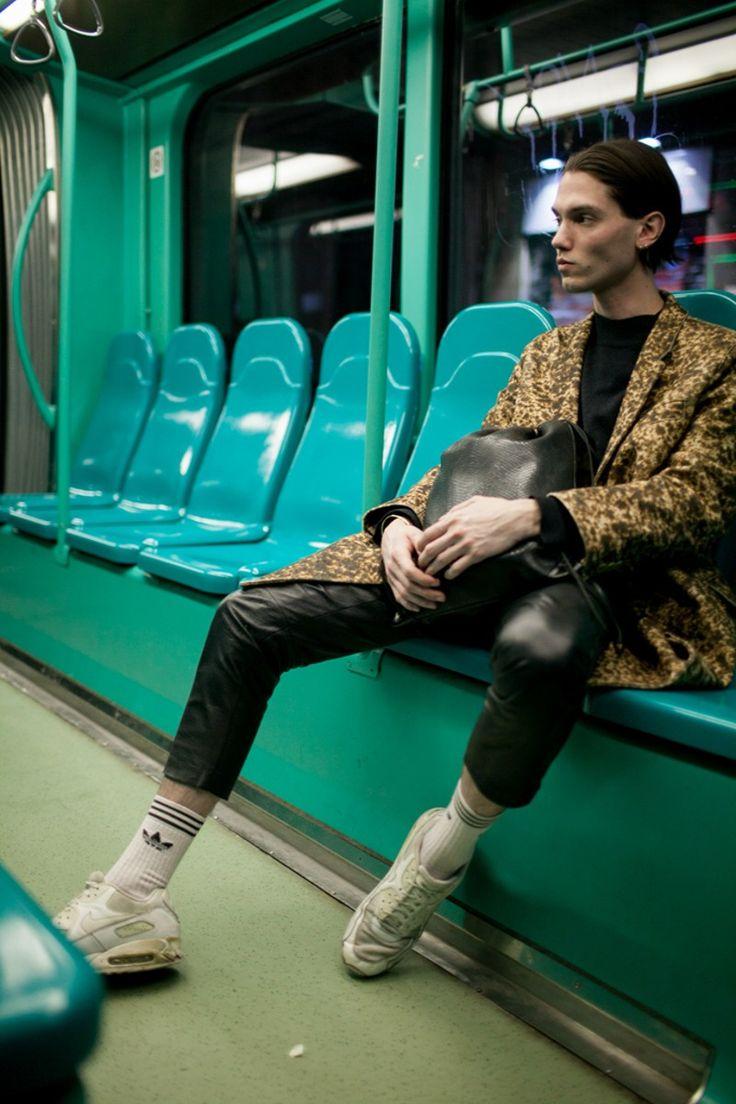 Fashion weeky prezentující kolekce pro muže rozvířily módní vody hned nazačátku nového roku, kdy se všechna pozornost opětstrhla na New York, Londýn, Miláno a Paříž....