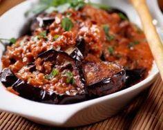 Aubergines grillées à l'ail et à la tomate : http://www.fourchette-et-bikini.fr/recettes/recettes-minceur/aubergines-grillees-lail-et-la-tomate.html