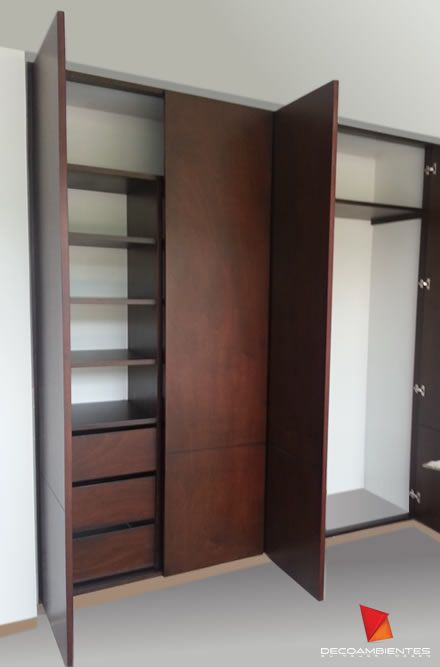 M s de 25 ideas fant sticas sobre imagenes de closet for Interiores de closet de madera