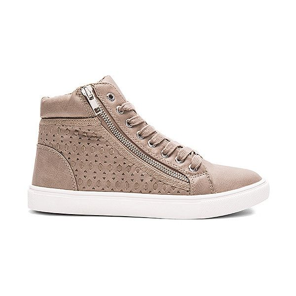 Steve Madden Eiris Sneaker (635 HRK) found on Polyvore featuring women's  fashion, shoes
