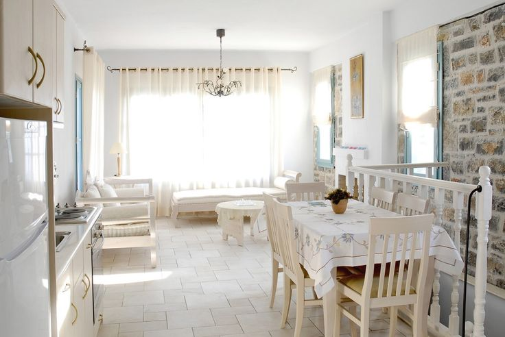 Holiday villa rental in Lasithi. Luxury villa Kalypso with view to the sea and the valley. Just as pretty and welcoming as the luxury Villa Alkestis...