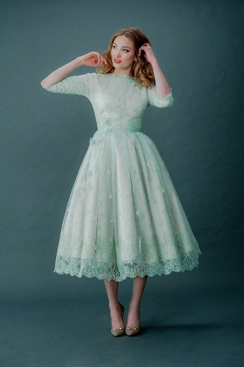 Best 25+ Retro wedding dresses ideas on Pinterest | Vintage tea ...