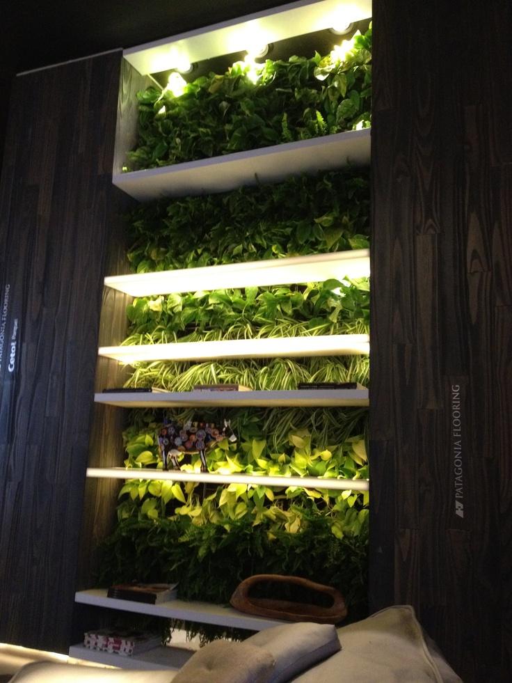 27 best jardines verticales images on pinterest gutter for Jardines verticales