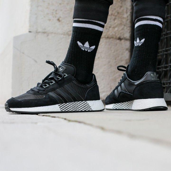 sonido asentamiento Aire acondicionado  adidas Originals Marathon Tech | Adidas sneakers, All black ...