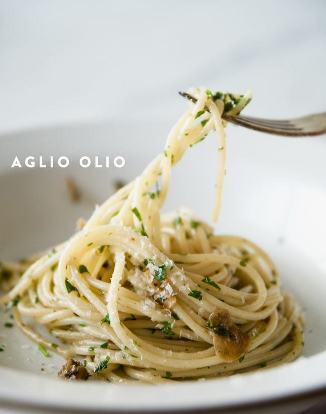 PASTA AGLIO OLIO - The Kitchy Kitchen