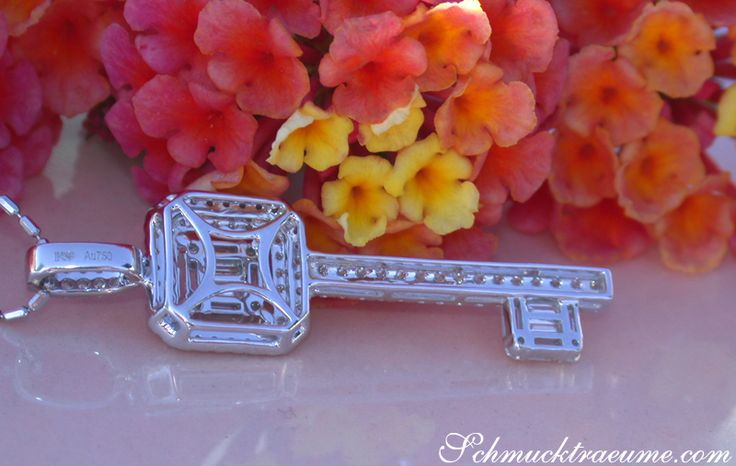 Erstklassiger Brillanten Schlüssel Anhänger mit Baguette Diamanten » Juwelier Schmucktraeume.com