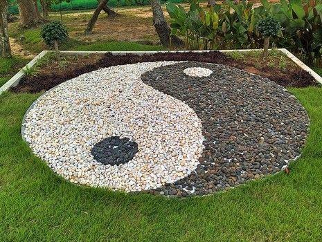 Yang garden yin yang for Jardin yin yang