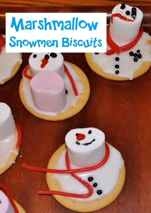 Marshmallow snowmen biscuit decorating (thanks to Messy Church - The Temple, Penygroes)