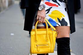 Graffiti Dress - Outfit - Culture & Trend - Jessica Neumann - Over The Knee - Black Coat