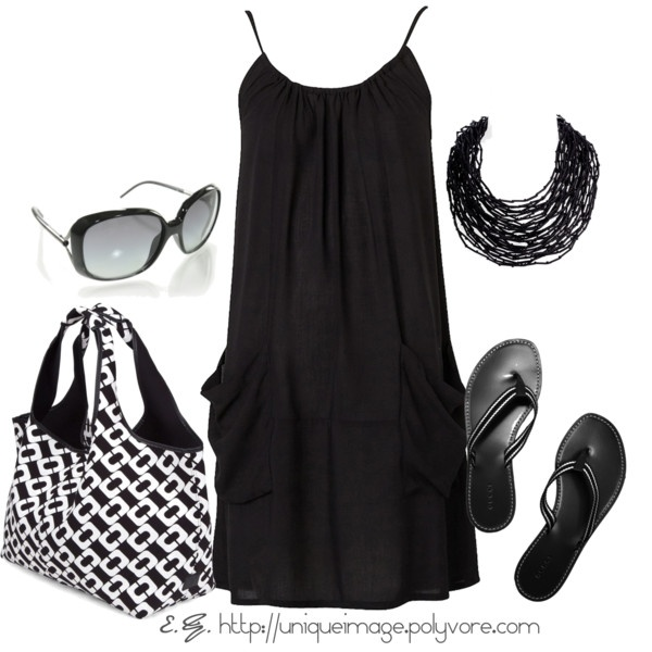 Little black beachy dress with Gucci flip flops...  casual elegance  #style #fashion