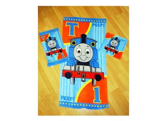 Handtuch-Set mit Waschlappen Thomas und seine Freunde 3 TeileEine saubere Sache - für alle Thomas Fans. Jetzt wird das Waschen zum Vergnügen, denn wer wäscht sich nicht gern mit dem Thomas Waschlappen und rubbelt sich mit dem Original Thomas Handtuch ab?