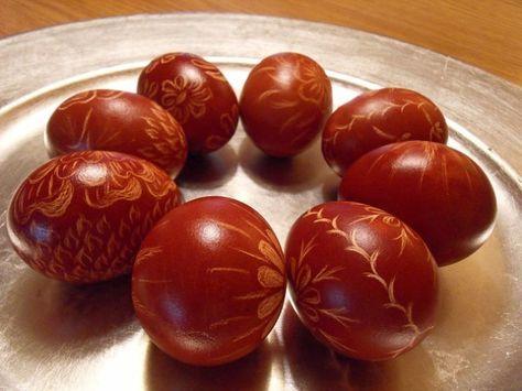 Cum sa faci oua lucioase si frumoase cu vopsea naturala. Idei de aranjamente a cosurilor de Pasti