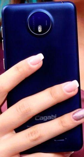 Cagabi One – smartphone de 40 dolari cu hardware decent: http://www.gadgetlab.ro/cagabi-one-smartphone-de-40-dolari-cu-hardware-decent/