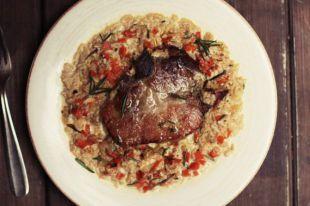 Свиная отбивная в молоке по-итальянски. Необычный ужин с Анной Людковской | Мастер-классы | Кухня | Аргументы и Факты