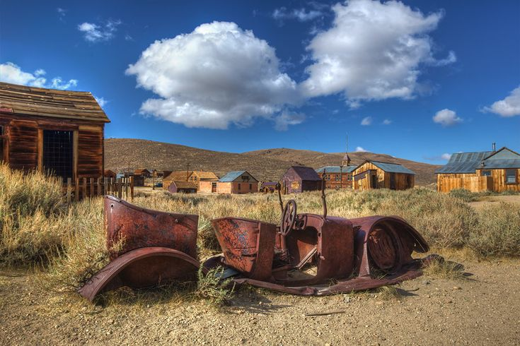Do you like ghost towns?  Here's a great article from @stargazermerc Just in time for #Halloween