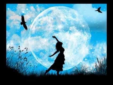 Wiccan chant: The moon she dances