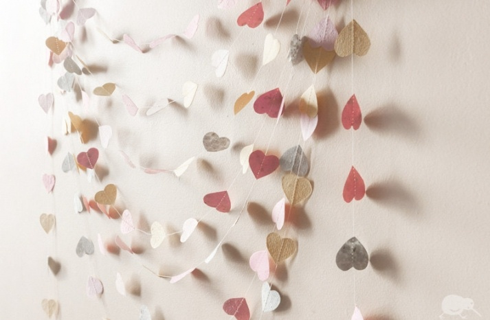 DIY heart streamers in soft pastels make fantastic #wedding decor!