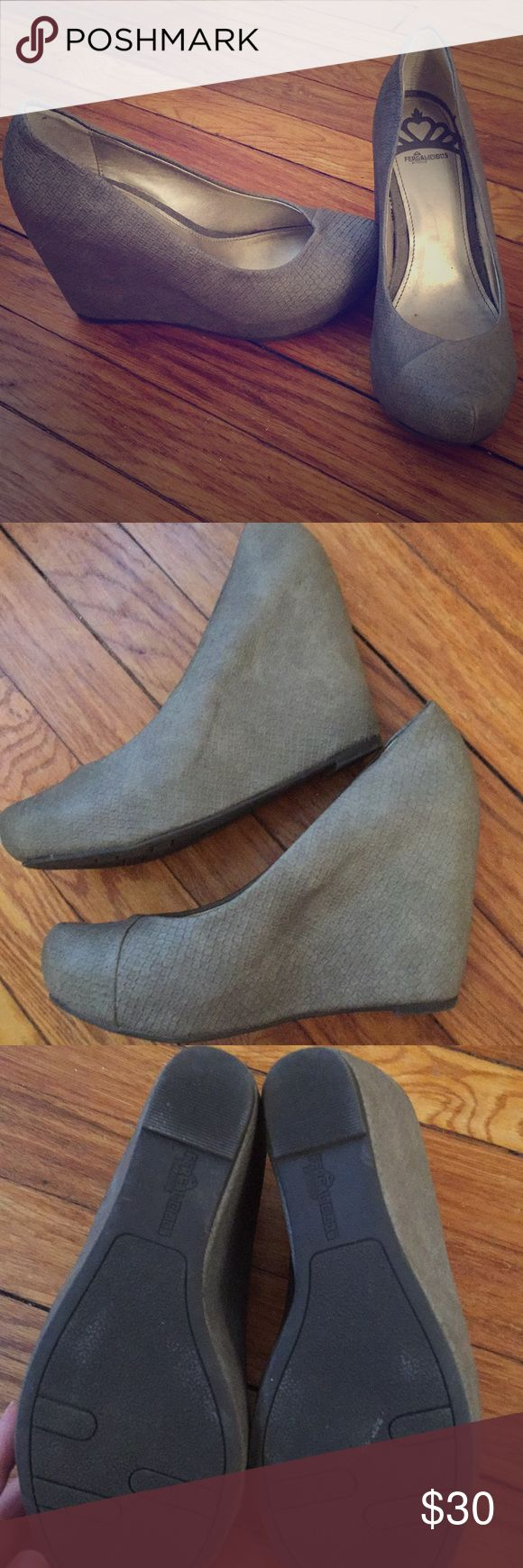 Gray wedge closed toed shoes Barely worn! Fergalicious gray wedge closed toed shoes Fergalicious Shoes Wedges