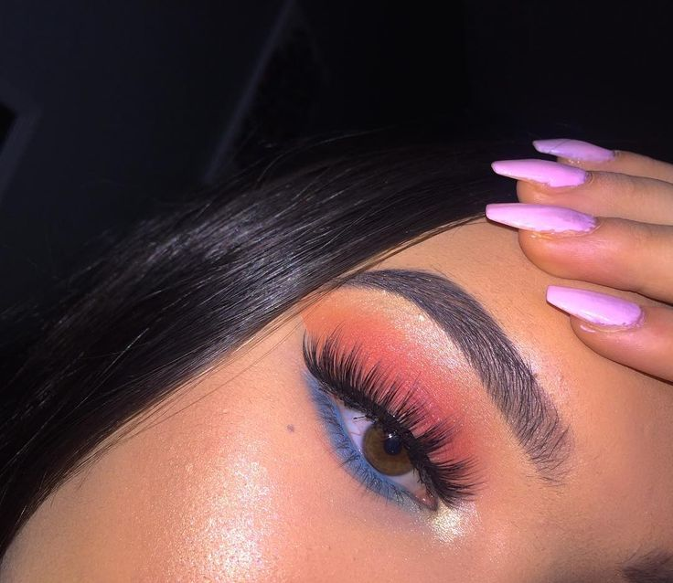 / Pinterest naomiokayyy Makeup, Beauty, faces, lips, eyes, eyeshadow, hair, colour, ombre, body, body goals, fitness, workout, ink, tattoos, nails, claws, piercings, SFX ,makeup, special effects , makeup artist