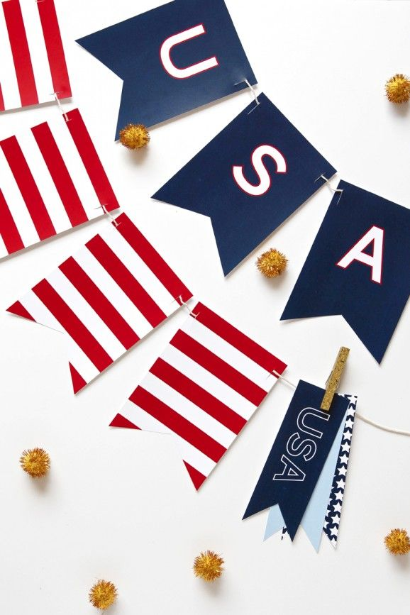 Free Printable USA Banner for the Fourth of July via @PagingSupermom.com