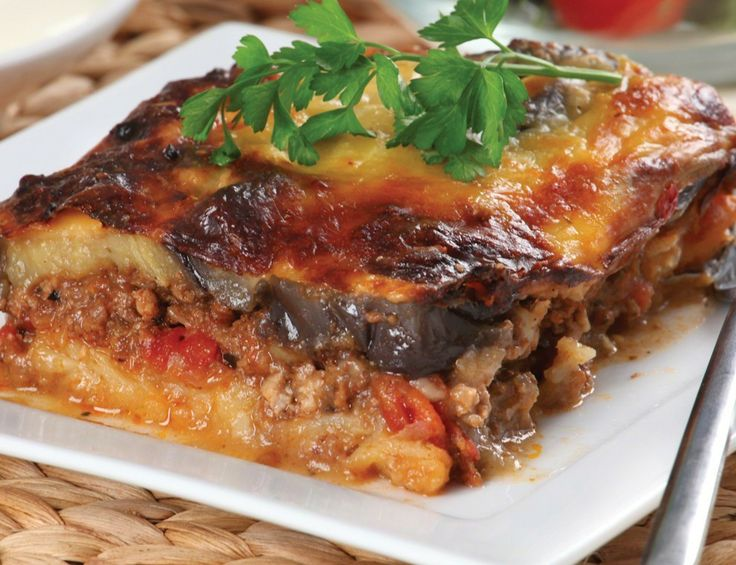 Perfect for cooler weather, this delicious twist on traditional Moussaka doesn't contain potato, making it a fantastic low carb, weight-friendly meal.