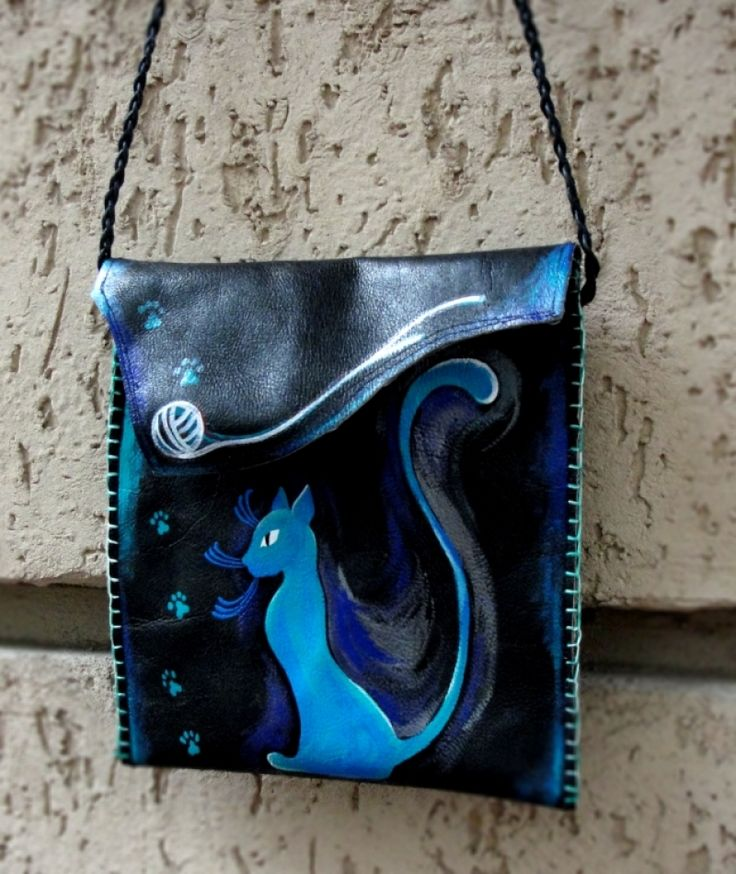 """Geanta piele """"Blue Cat"""" Hanadmade and hand-painted leather bag."""