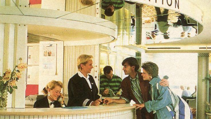 Finnjetin infossa, 1987 Copyright: Silja Line.