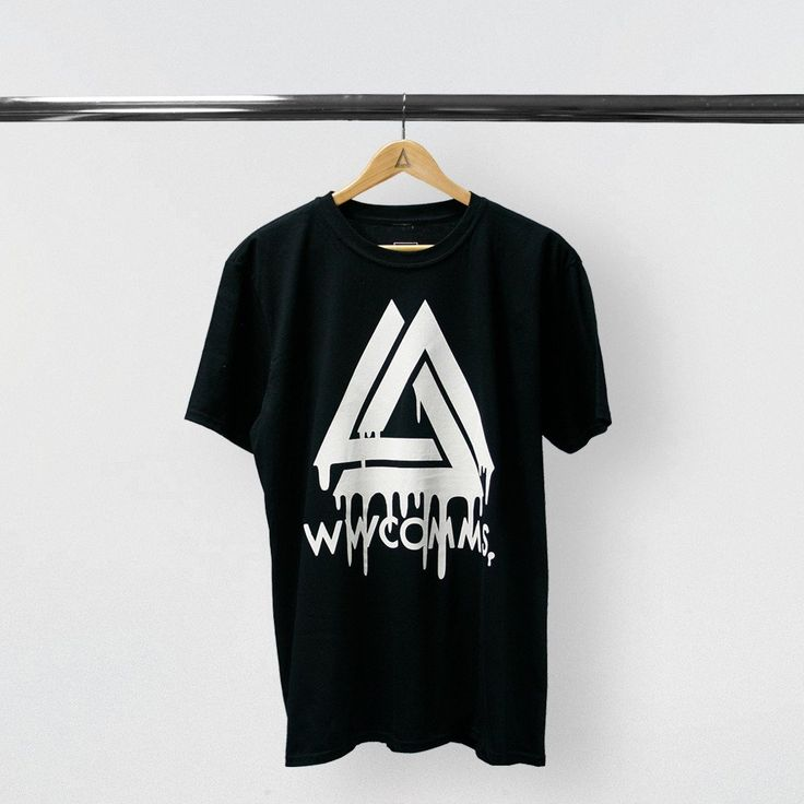 WWCOMMS DRIPPING TRIANGLE BLACK T-SHRT