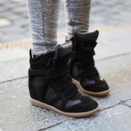 #Unascarpaalgiorno, la rubrica a cura della community di ShoeAdvisor Italia, questa settimana ci presenta un vero e proprio must di questa e delle scorse stagioni: le mitiche wedge speaker!http://www.stilefemminile.it/wedge-sneaker-le-scarpe-gym-per-sembrare-piu-alte/