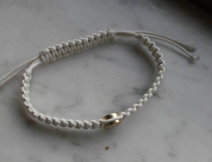 """braccialetto in cotone, stile shambala, macramè nodo quadrato, con charm """"alieno"""""""