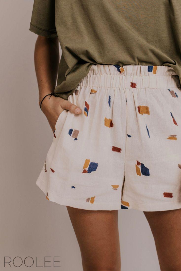 Bequeme kurze Outfit-Ideen. Inspiration für den Strandtag. Urlaubsshorts für F