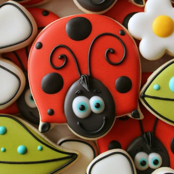 Cookie Quickie: Cute Ladybug Cookies