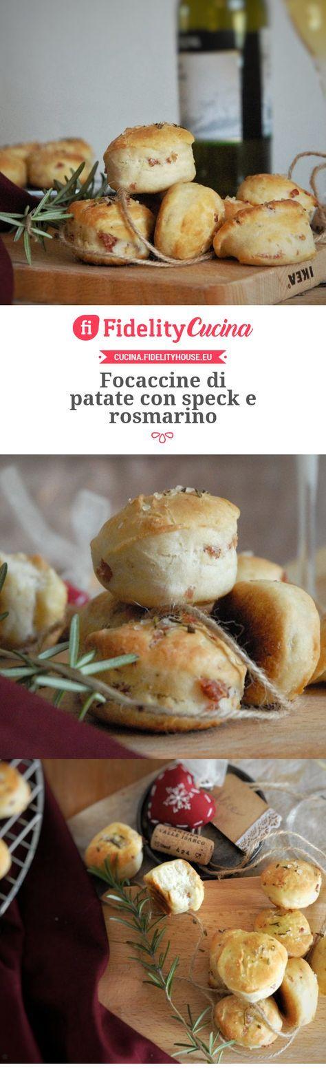 Focaccine di patate con speck e rosmarino