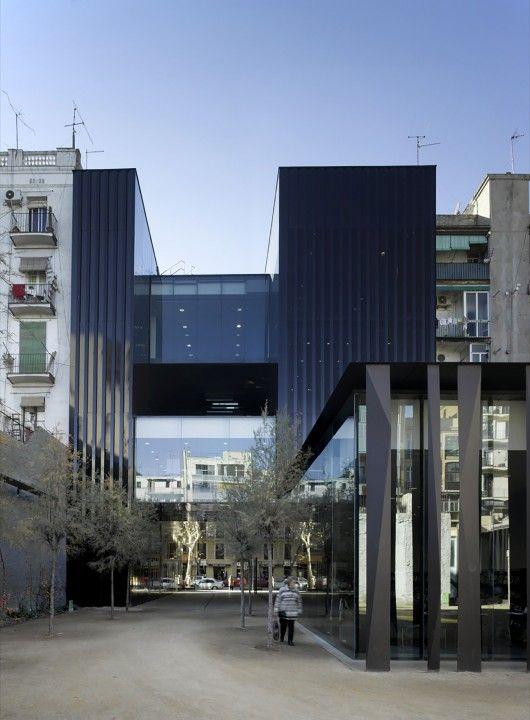 Sant Antoni – Joan Oliver Library / RCR Arquitectes http://www.archdaily.com/536548/sant-antoni-joan-oliver-library-rcr-arquitectes/