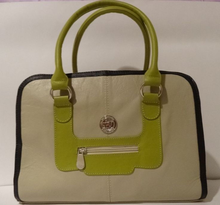 COP $355000.00 New with tags in Ropa, calzado y accesorios, Carteras y bolsos de mujer, Bolsos de mano y bolsos