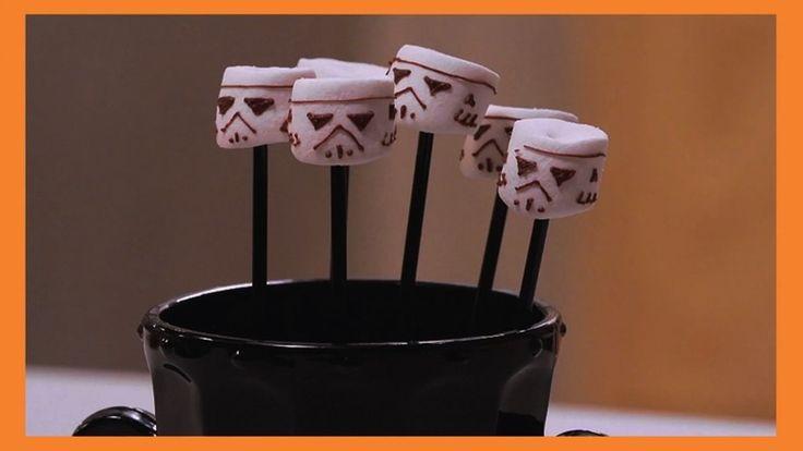 """Marshmallow com chocolate em forma de """"Darth Vader"""" - Receitas - GNT"""